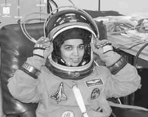 An Indian-American Woman in Space: Kalpana Chawla Hindi Translation NCERT class 6 Honeysuckle chapter 4.